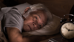 Insomnia-phone-therapy-elderly-blog_1col.jpg