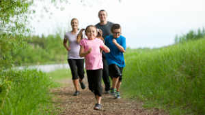 exercise_family_running_1col.jpg